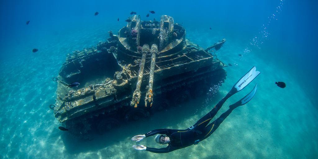 Magazyn Nurki 11 Akaba, C-130 Hercules, Jordania Nurkowanie, Podwodna przygoda, Rodzinne nurkowanie, dzieci nurkują, pod wodą, M42 Duster Czołg, Tank, Freediving, Magnus Lundgren