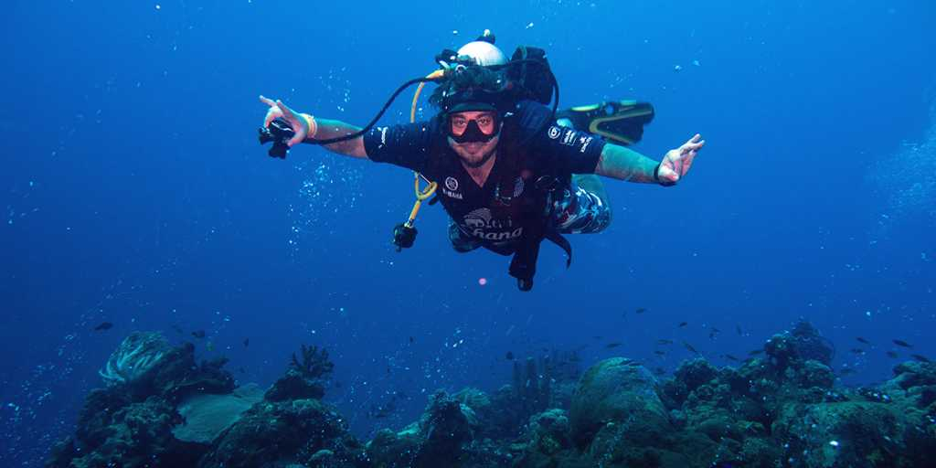 Magazyn Nurki.pl numer 6, Indonezja, Morze Banda, Pindito, SMS Lutzow, Rene B ANdersen, Dolphin Man, sprzęt nurkowy, INON, IKELITE podwodny świat, magazyn nurkowanie, prenumerata